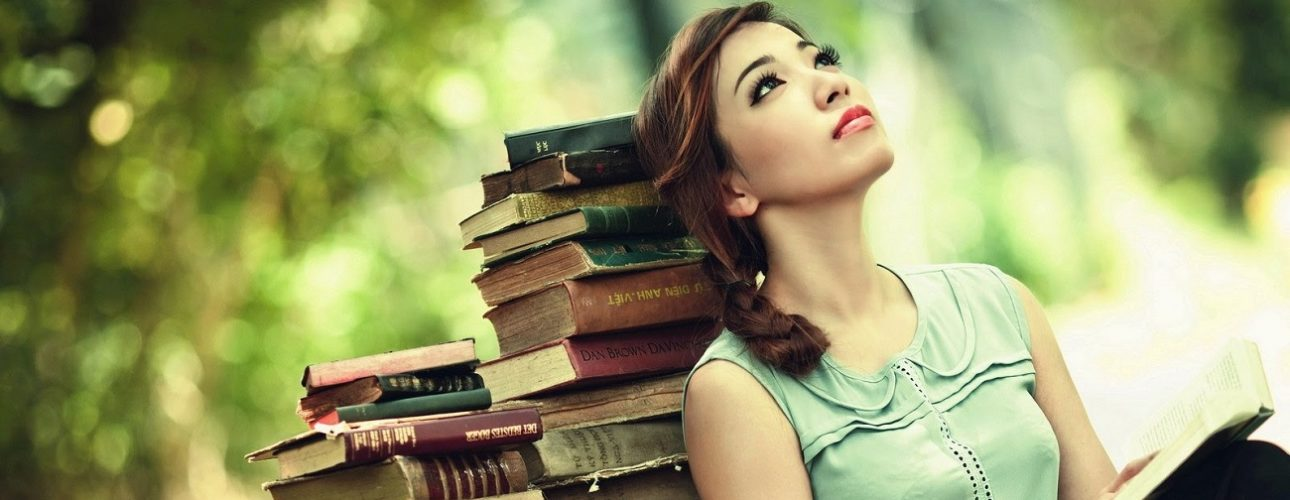 în Martie Lecturile Au Parfum De Femeie Serial Readers
