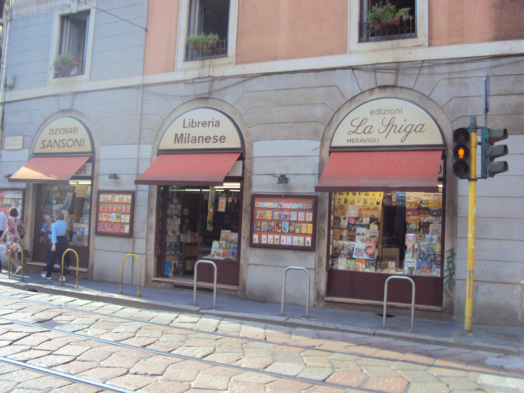 Librarie Milano