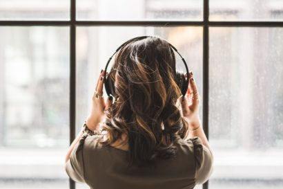 3 posturi de radio de ascultat când citești