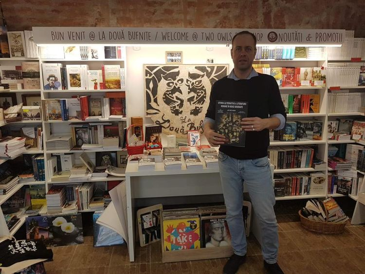 Luca Dinulescu la libraria La Doua Bufnite din Timisoara