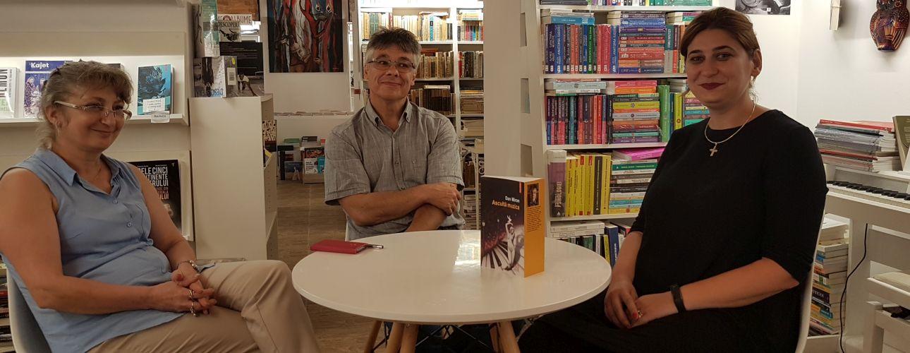 Scriitorul Dan Miron la libraria La Doua Bufnite