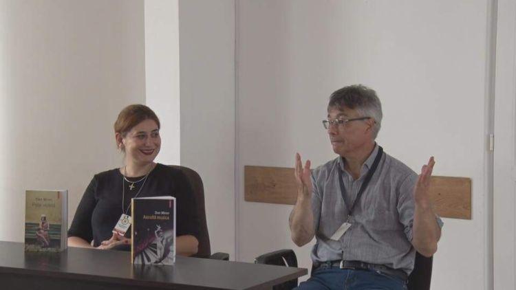 Scriitorul Dan Miron lansand romanul Asculta muzica la Penitenciarul Timisoara