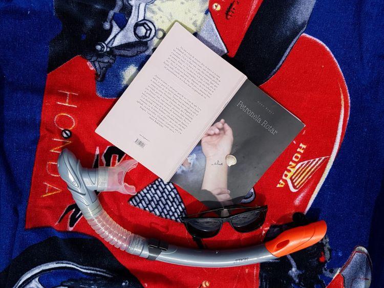 Alive de Petronela Rotar (Editura Herg Benet)