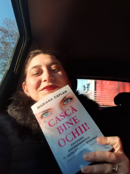 Cască bine ochii de Mariana Caplan