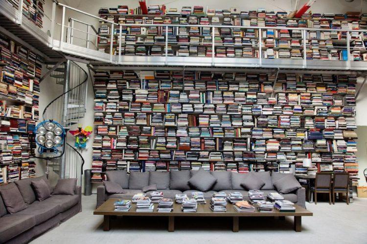 K. Lagerfield - biblioteca interior